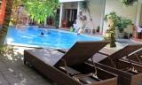 pool2-t.jpg